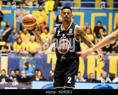 Turin, Italy 7th october 2017. Diante Garret during the Serie A an Basketball match Fiat Torino Auxilium vs Dinamo - Stock Photo