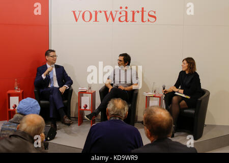 Frankfurt, Germany. 11th October 2017. SPD politician Thorsten SchŠfer-GŸmbel (left) and German politician Nicol - Stock Photo