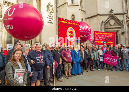 London, UK. 12th Oct, 2017. Members of the Communications Workers Union protesting at the Royal Courts of Justice - Stock Photo