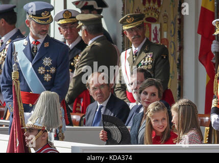 Madrid, Spain. 12th October, 2017. Kings of Spain, Felipe VI and Letizia Ortiz and their daughters princesses Leonor - Stock Photo