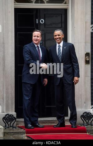 U.S. President Barack Obama meets with UK Prime Minister David Cameron at the Prime Ministers Office April 22, 2016 - Stock Photo