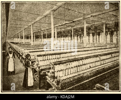 Inside a Lancashire (UK) cotton mill in 1914. - Stock Photo