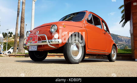 Old little tiny car classic history vehicle vintage for Garage auto menton