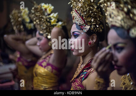 Data Shows Balinese People is the Happiest in Life