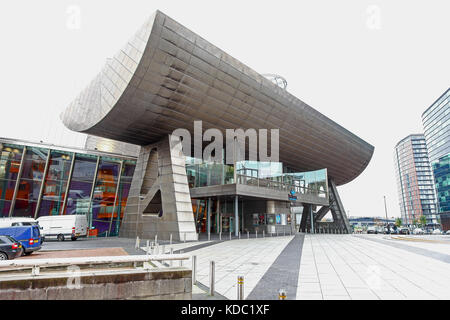 The Lowry Outlet Centre at Media City UK on the banks of the Manchester Ship Canal in Salford and Trafford, Greater - Stock Photo