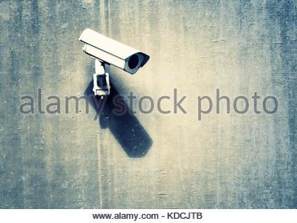 Grunge Camera Vector : Grunge exterior video camera technology to security stock vector