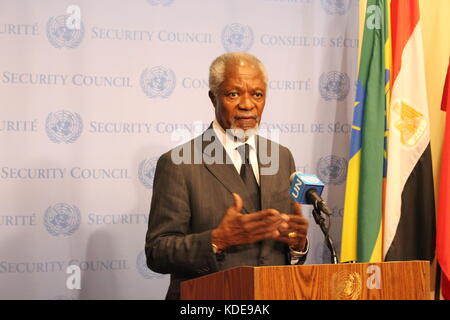 UN, New York, USA. 13th Oct, 2017. Kofi Annan, former UN Sec-Gen, spoke to press about Myanmar and the Rohingya. - Stock Photo