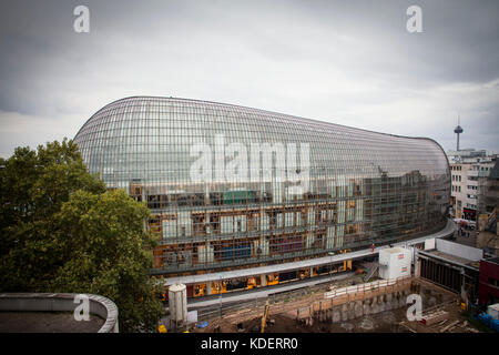 Europe, Germany, Cologne, the Weltstadthaus at the street Schildergasse, department store of the  Peek & Cloppenburg - Stock Photo