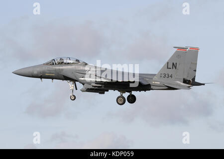 Resident F-15E Strike Eagles from the 494th FS on approach into RAF Lakenheath. - Stock Photo