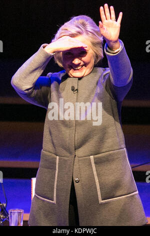 London, UK. 15th Oct, 2017. Former US Secretary of State Hilary Clinton waves on stage following her talk at the - Stock Photo