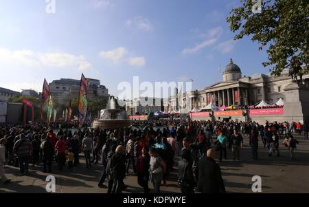 London, UK. 15th October 2017.  Diwali celebrations in Trafalgar Square London, UK.  © Stephen Finn/Alamy Live News - Stock Photo