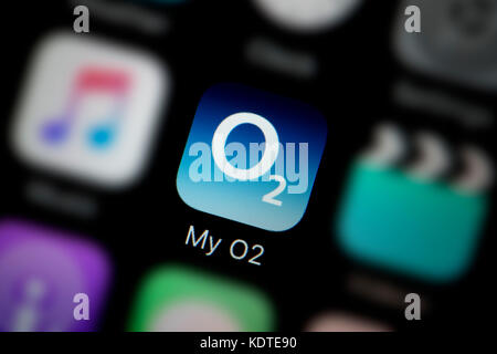 A close-up shot of the logo representing the My O2 app icon, as seen on the screen of a smart phone (Editorial use - Stock Photo