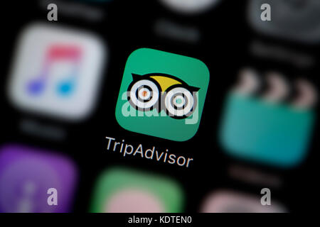 A Close Up Shot Of The Logo Representing Trip Advisor App Icon As
