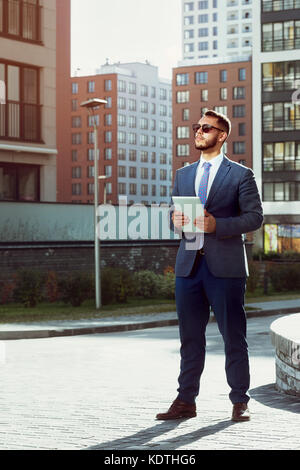Real estate agent businessman modern city - Stock Photo