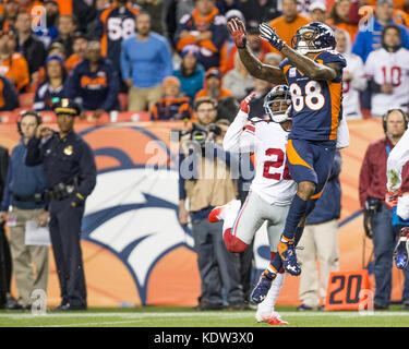 October 15, 2017: Denver Broncos wide receiver Demaryius Thomas (88) leaps for the ball during the second quarter - Stock Photo