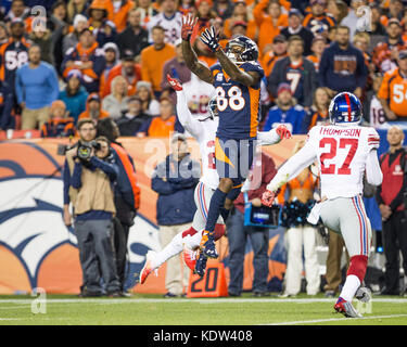 October 15, 2017: Denver Broncos wide receiver Demaryius Thomas (88) leaps to make a catch during the second quarter - Stock Photo