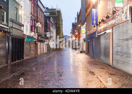 Church Lane Belfast, UK. 16th Oct, 2017. UK Weather. Closed shops and no People in Belfast City Centre due to Storm - Stock Photo