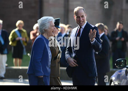 Hereford, UK. 17th Oct, 2017. HRH Prince William, Duke of Cambridge, meeting Lady Darnley, Lord Lieutenant of Herefordshire - Stock Photo