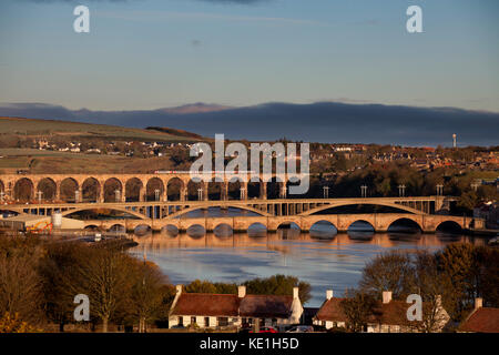 A Arriva Crosscountry train crosses the Royal border bridge, Berwick upon Tweed  with the 0632 Dundee - Plymouth - Stock Photo