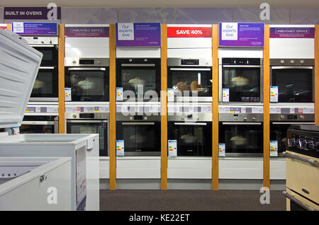 Window Cleaners In Leeds >> Currys electrical store Stock Photo, Royalty Free Image: 29936106 - Alamy