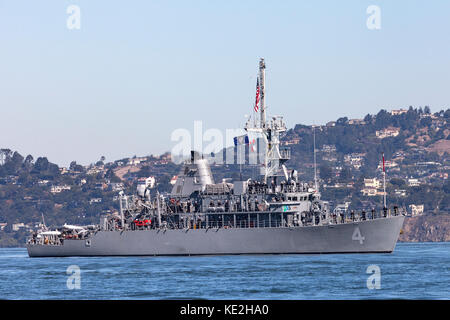 Avenger-class mine countermeasures ship USS Champion (MCM 4) on the water of San Francisco Bay. - Stock Photo