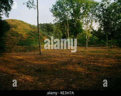 Bartlow Hills, Cambridgeshire, UK: Mound III (L) & Mound IV (R) of seven (four remain) late C1st/early C2ndAD burial - Stock Photo