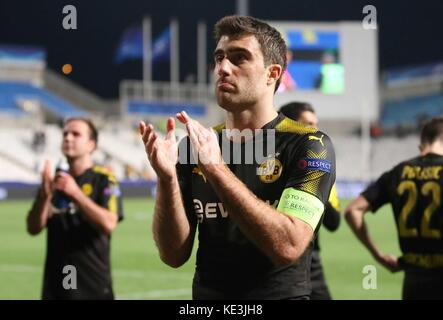 Nicosia, Cyprus. 17th Oct, 2017. Bortussia Dortmund's Sokratis Papastathopoulos greets fans after the 2017-2018 - Stock Photo