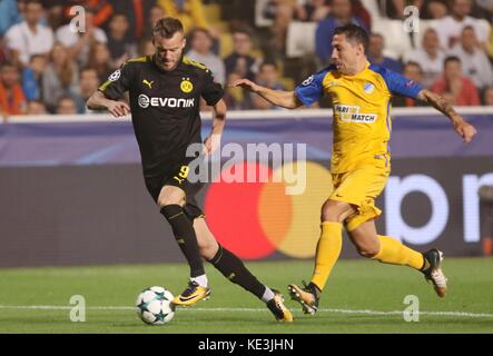 Nicosia, Cyprus. 17th Oct, 2017. Bortussia Dortmund's Andriy Yarmolenko (L) vies for the ball during the 2017-2018 - Stock Photo