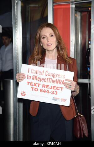New York, NY, USA. 18th Oct, 2017. Julianne Moore at the press conference for Everytown for Gun Safety Launch #RejectTheNRA - Stock Photo