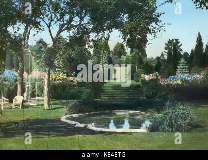 Sunken terrace garden at Killenworth   George Dupont Pratt house   Glen Cove New York   1918 - Stock Photo