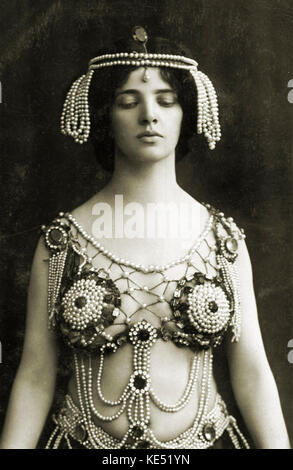 Maud Allan in Richard STRAUSS '  'Salome'.  Opera premiered 1905. Canadian actress and dancer. b. circa 23 April - Stock Photo