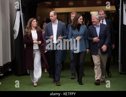 CEO Baroness Karren Brady (left), the Duke and Duchess of Cambridge and Sir Keith Mills (right) chairman of the - Stock Photo