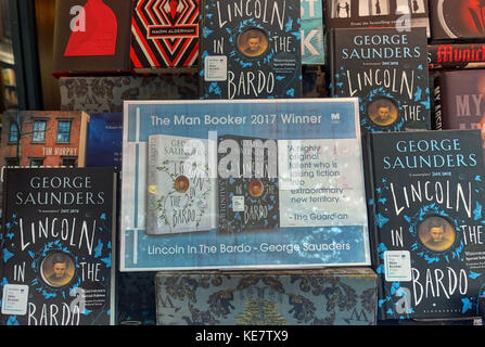 2017 Man Booker Prize winner 'Lincoln in the Bardo' by George Saunders in London bookshop display - Stock Photo
