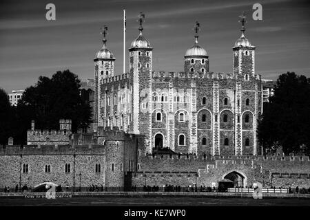 Tower of London with City of London Backdrop, London England. Oct 2017 The Tower of London, officially Her Majesty's - Stock Photo