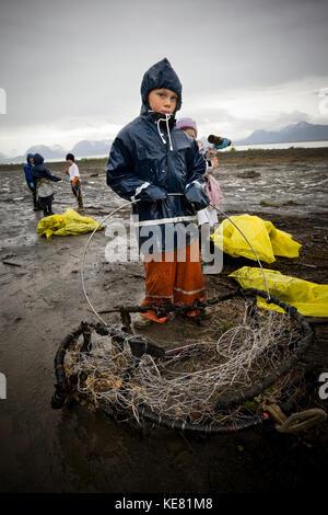 Volunteers Cleaning Up The Beach, Homer, Kenai Peninsula, Alaska, USA - Stock Photo