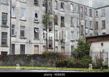 Council Housing Derelict For Rent and Sale UK Port Glasgow - Stock Photo