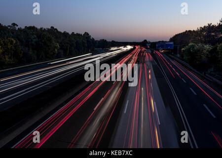 Verkehr, Reisen, Deutschland, Hessen, Frankfurt am Main, Autobahn A5, October 18. Viel Verkehr auf der Autobahn - Stock Photo