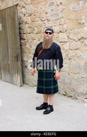 Mann mit langem Bart und Schottenrock, Kilt - Stock Photo