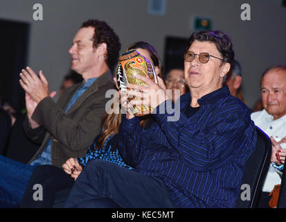 Ohsweken, ON, USA. 14th Oct, 2017. 14 October 2017 - Ohsweken, Ontario, Canada. Rock and Roll Hall of Famer Robbie - Stock Photo