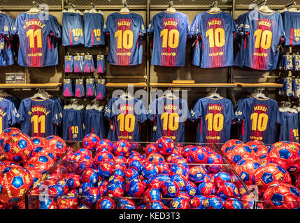 Popular Messi jerseys dominate the Camp Nou store, Barcelona, Spain. - Stock Photo