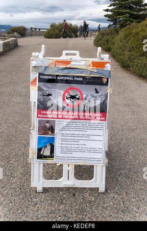 Sign board no drones in Yosemite. - Stock Photo