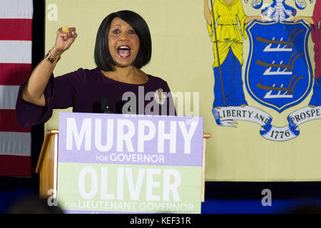 Newark, New Jersey, USA. 19th Oct, 2017. SHEILA OLIVER, democratic candidate for Lt Governor in the New Jersey gubernatorial - Stock Photo