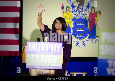 Newark, USA. 19th Oct, 2017. Sheila Oliver, democratic candidate for Lt Governor in the New Jersey gubernatorial - Stock Photo
