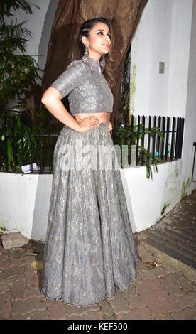 Mumbai, India. 19th Oct, 2017. Indian film actress Pareeniti Chopra attend the Aamir Khan's Diwali party at his - Stock Photo