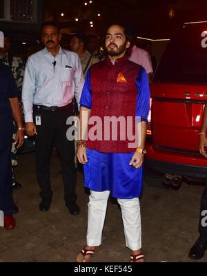 Mumbai, India. 19th Oct, 2017. Anant Ambani attend the Aamir Khan's Diwali party at his recidency in Bandra, Mumbai - Stock Photo