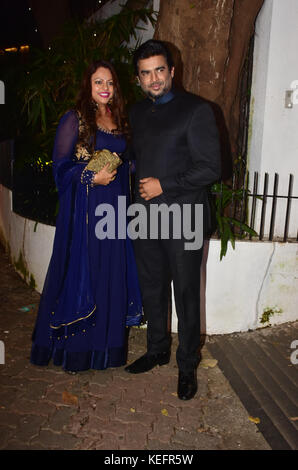 Mumbai, India. 19th Oct, 2017. Indian film Actor R. Madhvan attend the Aamir Khan's Diwali party at his recidency - Stock Photo