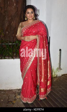 Mumbai, India. 19th Oct, 2017. Indian film actress Vidya Balan attend the Aamir Khan's Diwali party at his recidency - Stock Photo