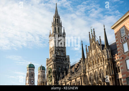 Marienplatz mit Rathhaus und Frauenkirche, Munich, Bavaria, Germany - Stock Photo