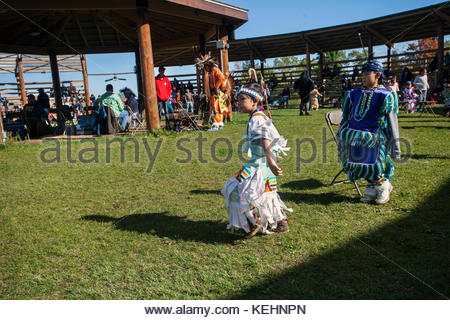 Pow Wow Native Men Aboriginal Veterans At The Annual Six