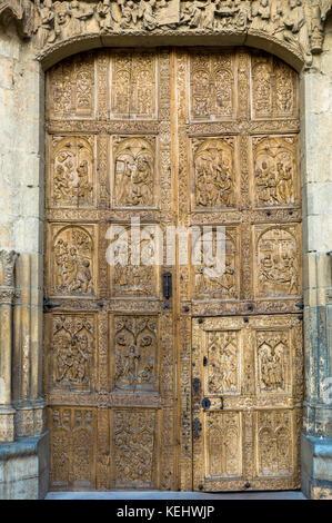 West Door, front, of Santa María de León Cathedral in Leon, Castilla y Leon, Spain
